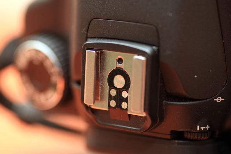 Canon EOS 40D - Flash shoe